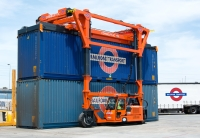 TStraddle Carriers - Combi-SC: The cost effective solution for handling containers and similar oversize loads.