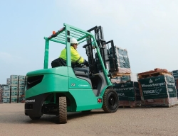 Mitsubishi-FD25 Forklift Truck. Click for more information.