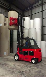AR-45RJ0-15 paper roll clamp installed on Carer 8 ton electric fork lift trucks Z80H model 