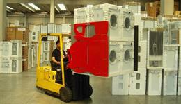Bolzoni Auramo Carton and Home Appliance Clamp for safe and damage-free palletless handling of white goods and high-volume carton boxes in appliance and electronics, warehousing and beverage industries.