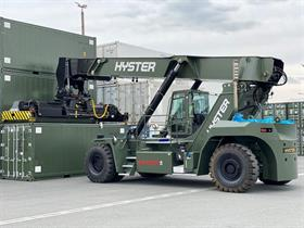 A German military RS46-33CH container handler