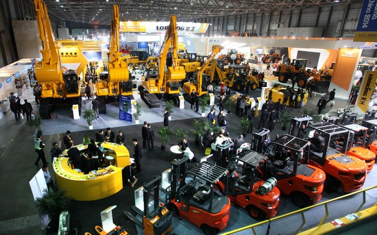 forklifts and telehandlers on show at shanghai