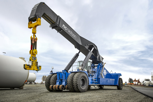 Heavy-duty reach stackers from NC Nielsen