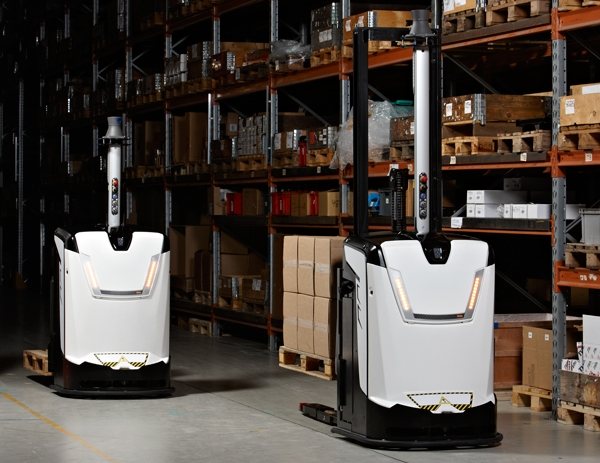 rocla agv increases safety in vna warehouse application