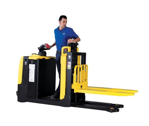 Hyster Rolls Out New Centre Rider Forklift News Article